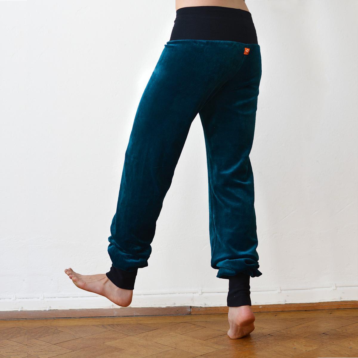 e1e16fc69598 Cmig Velourbyxor dam petrol/svart - Dam byxor bestellen - cmig - ekologiska  kläder / handtryckta tröjor och ateljésydda byxor från hannover