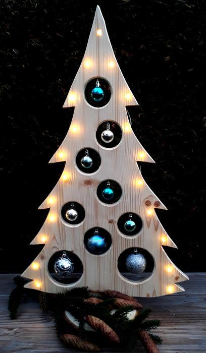 weihnachtsbaum holzdeko led kugeln holz baum. Black Bedroom Furniture Sets. Home Design Ideas