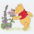 Pooh and Flowers - Disney borduurpakket met telpatroon - Coats Crafts