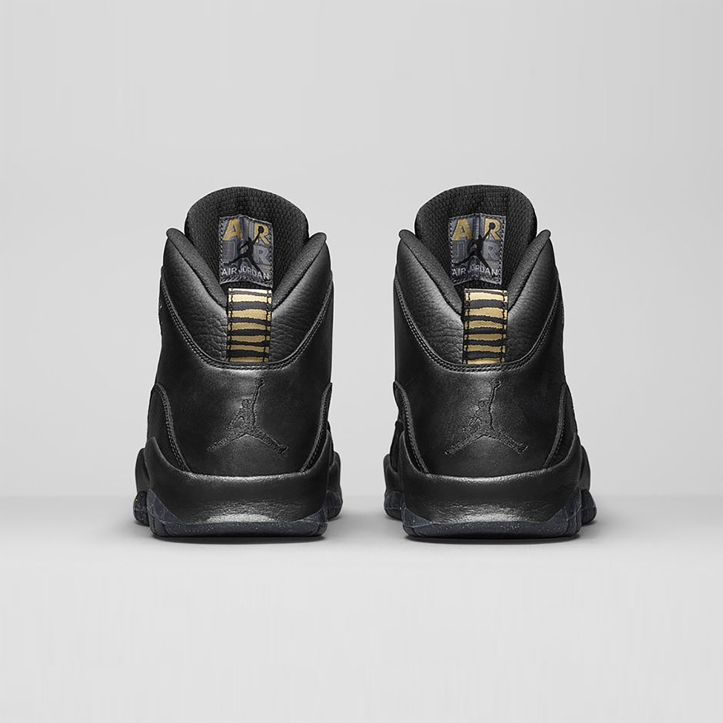 Jordan Air Jordan 10 Retro GS 'NYC' Black / Metallic Gold 310806-012-36.5