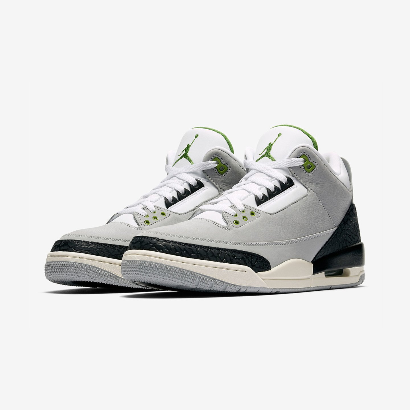 Jordan Air Jordan 3 Retro 'Chlorophyll' Light Smoke Grey / Chlorophyll / Black / White 136064-006