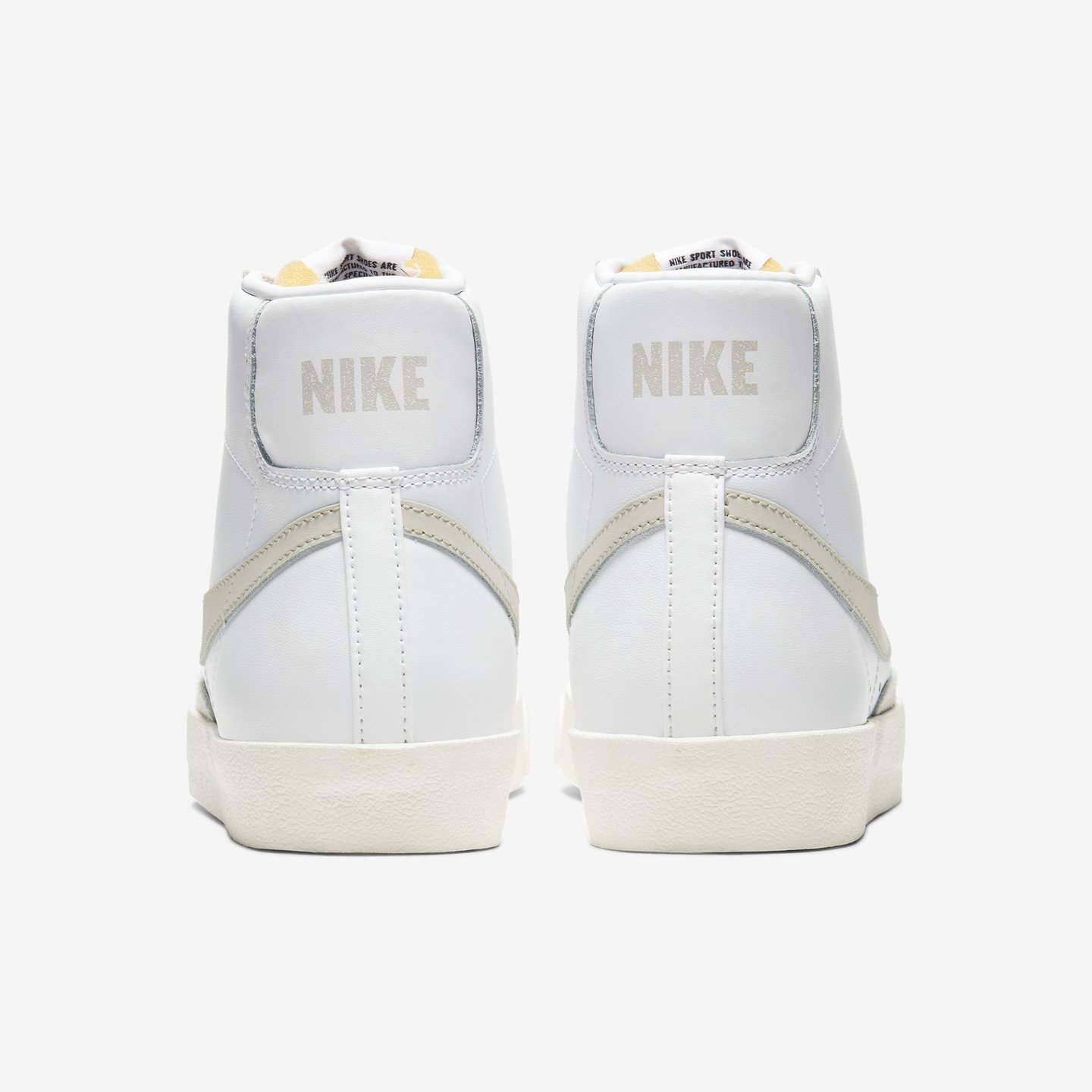 Nike Blazer Mid ´77 Vintage White / Light Bone / Sail BQ6806-106