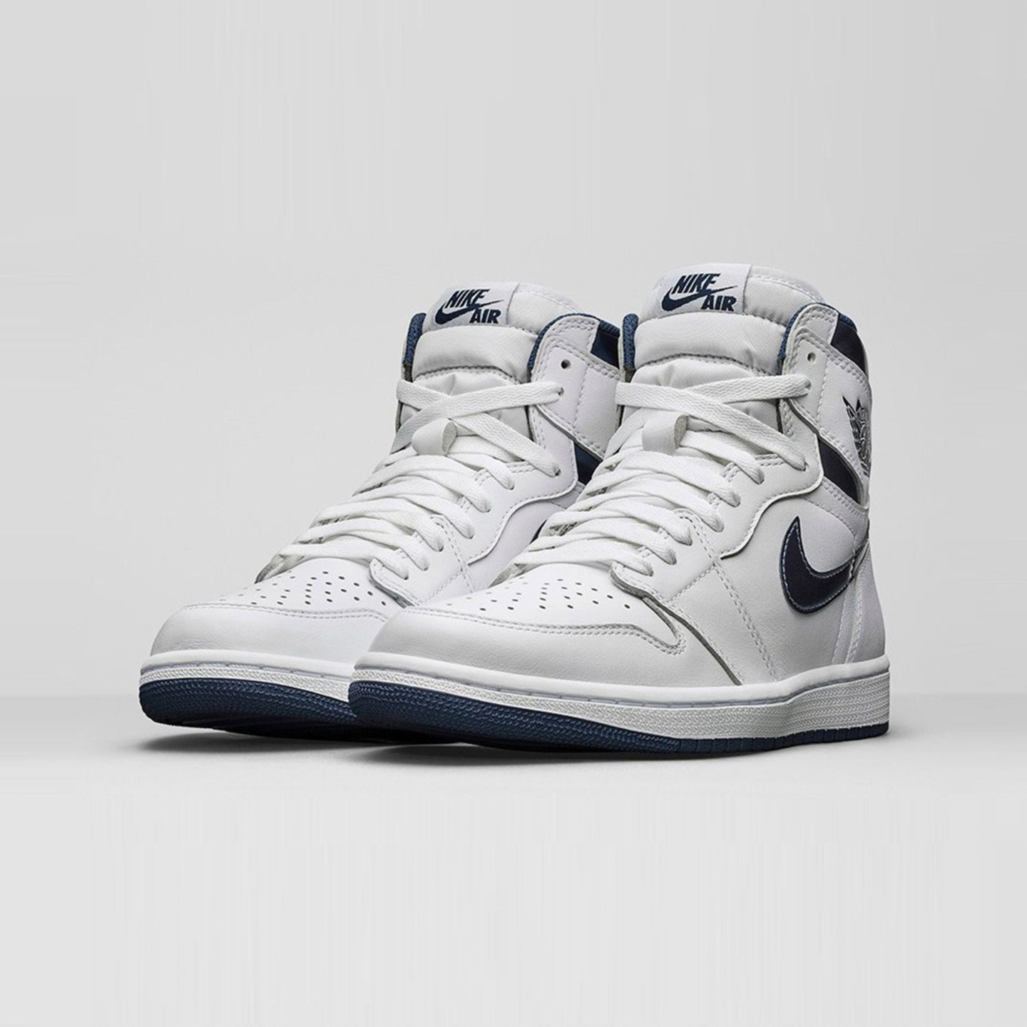 Jordan Air Jordan 1 Retro High OG 'Metallic Navy' White / Midnight Navy 555088-106-44.5