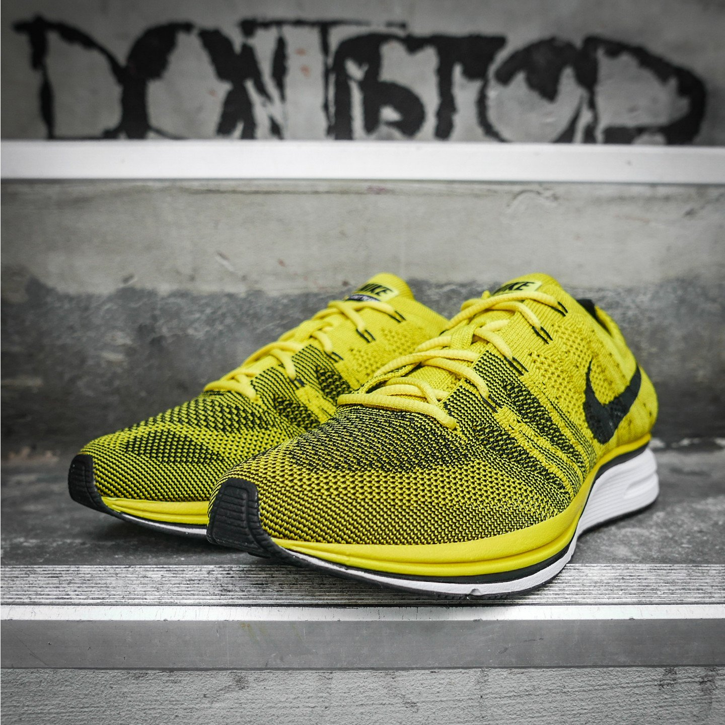 Nike Flyknit Trainer Bright Citron/ Black/ White  AH8396-700