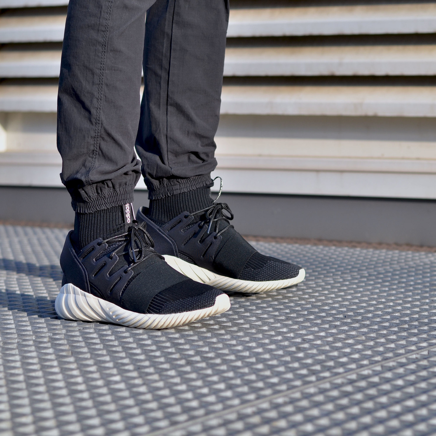 Adidas Tubular Doom Primeknit Black / Cream White S74921-44