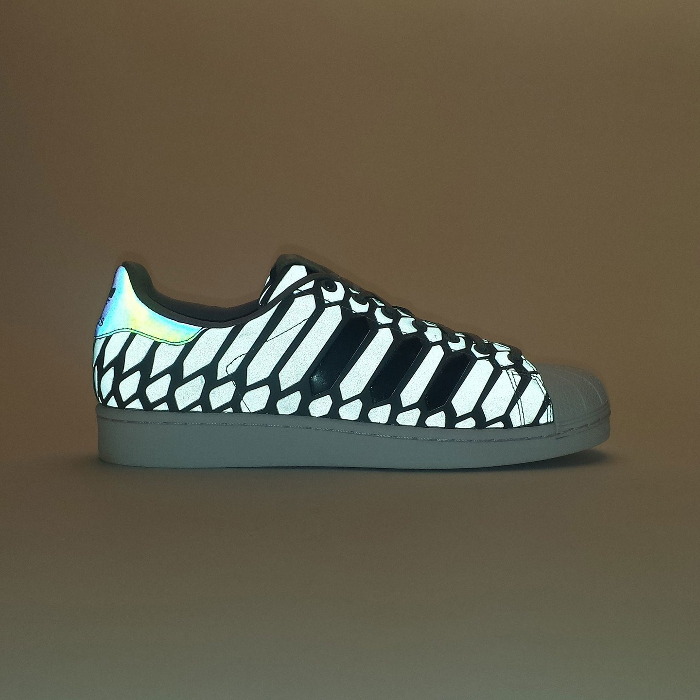 Adidas Superstar Xeno Pack Ltonix / Supcol / Ftwwht D69367-38.66