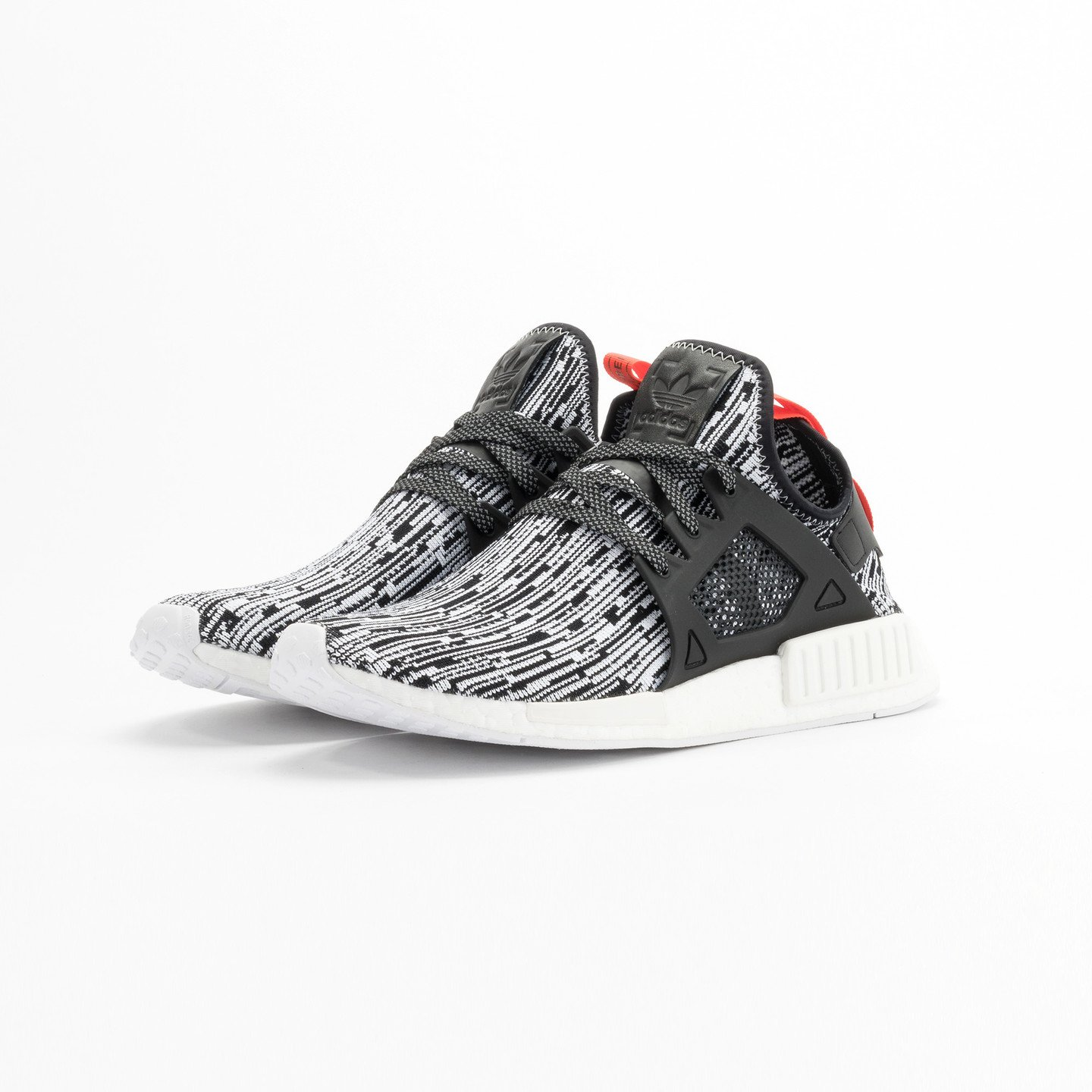 Adidas NMD XR1 Primeknit Running White / Core Black / Semi Solar Red S32216-44.66