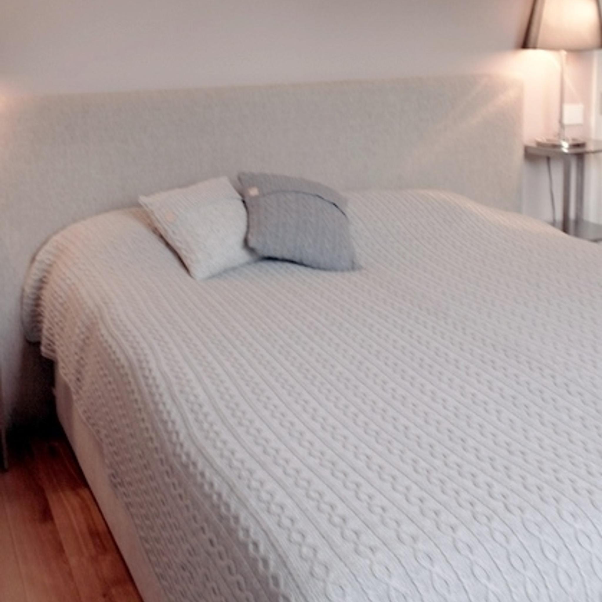 Tagesdecke & Bettüberwurf 220x240 cm weiß