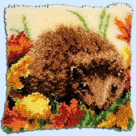 Hedgehog - knoopkussen Vervaco | Smyrna kussen met egel | Artikelnummer: vvc-155258