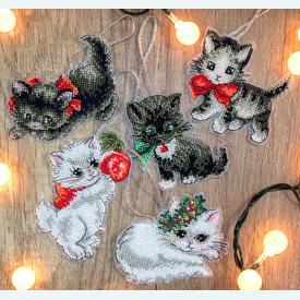 Christmas Kittens Toys - borduurpakketjes met telpatroon Letistitch | set van 5 stuks | Artikelnummer: leti-987