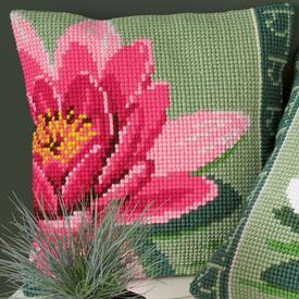 Pink Lotus Flower - Vervaco Kruissteekkussen |  | Artikelnummer: vvc-156008