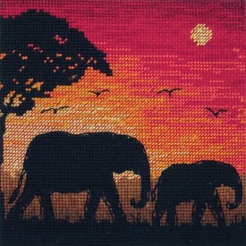 Elephant Silhouette - borduurpakket met telpatroon |  | Artikelnummer: ma-05017
