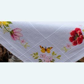 Colourful Flowers theenap - borduurpakket met telpatroon Vervaco |  | Artikelnummer: vvc-183789