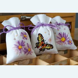 Assortiment kruidenzakjes - Purple Asters - Handwerkpakketjes met telpatroon Vervaco |  | Artikelnummer: vvc-157798