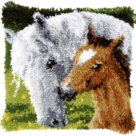 Horse and Foal - smyrna kussen Vervaco | Knoopkussen met paarden | Artikelnummer: vvc-146759