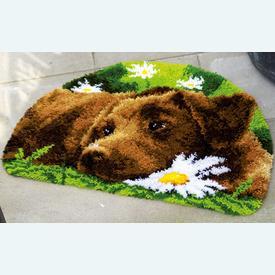Chocolate Labrador - knooptapijt Vervaco | Smyrna tapijt met bruine labrador | Artikelnummer: vvc-153852