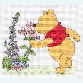 Pooh and Flowers - Disney borduurpakket met telpatroon - Coats Crafts |  | Artikelnummer: cts-dppf028