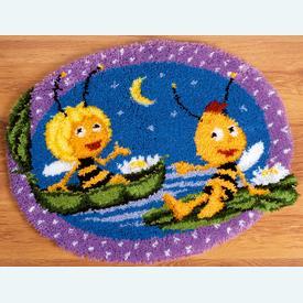 Maya and Willy in the Night - knooptapijt Vervaco Maya de bij | Smyrna tapijt met Maya en Willy onder de sterrenhemel | Artikelnummer: vvc-150265
