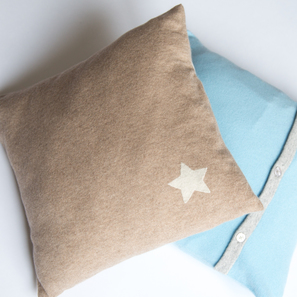 Cashmere Cushion with Star | 100% Cashmere, Colour: Beige Mélange | Code: 0716IC010102X