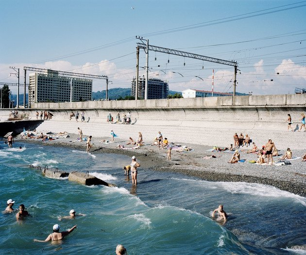 Beach, Adler, Russia | Edition 7, Serie 'The Sochi Project', 2011 | Artikelnummer: RHO_14-50x60FAL_SR3