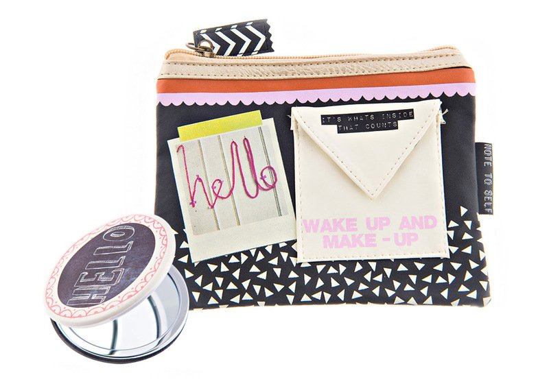"Disaster Designs - Kosmetik-Set ""Hello"""