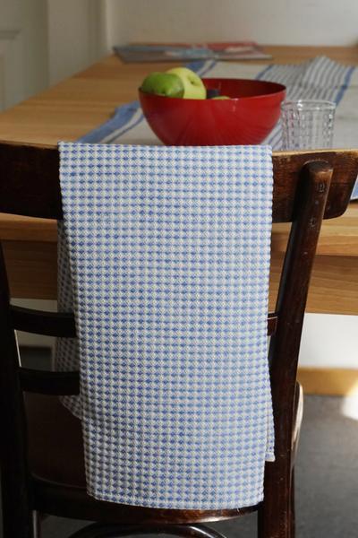 leinen geschirrt cher waffelpique in dunkelblau wei. Black Bedroom Furniture Sets. Home Design Ideas