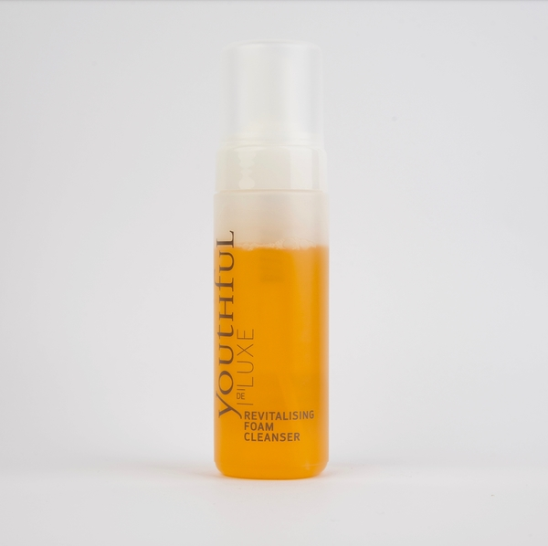Revitalising Foam Cleanser von Youthful Cosmetics De Luxe