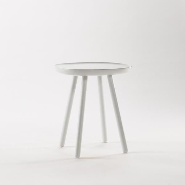 tische st hle aus holz skandinavisches design. Black Bedroom Furniture Sets. Home Design Ideas