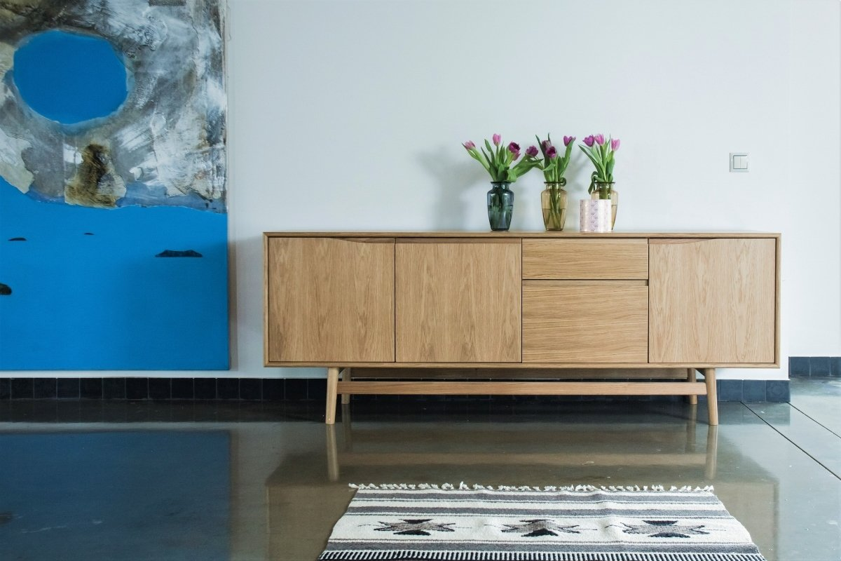 sideboard aus eichenholz mid century design. Black Bedroom Furniture Sets. Home Design Ideas
