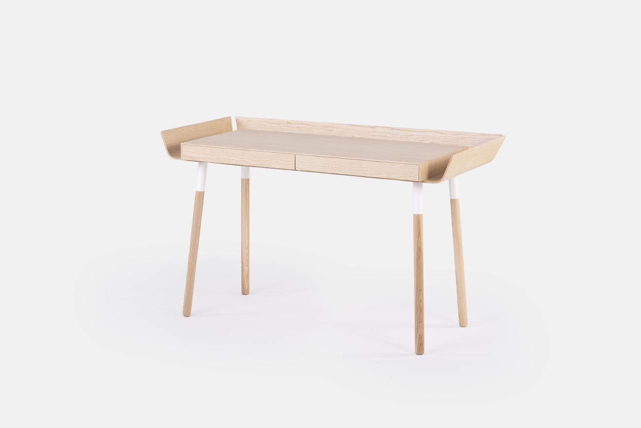 Schreibtisch my writing desk aus eschenholz emko for Sideboard 1m breit