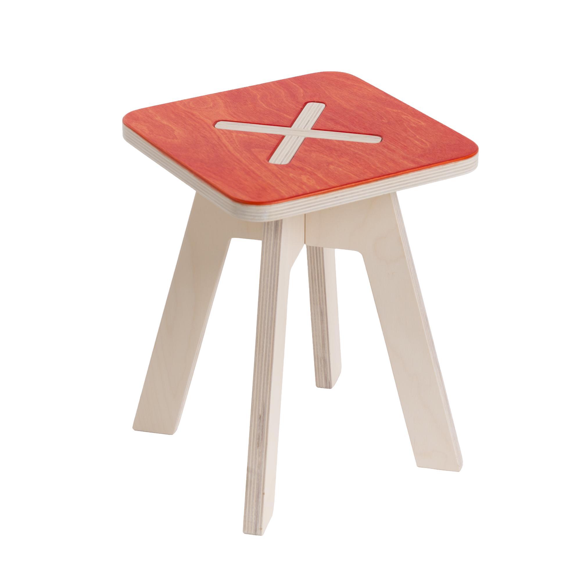 kinderstuhl aus holz rot. Black Bedroom Furniture Sets. Home Design Ideas